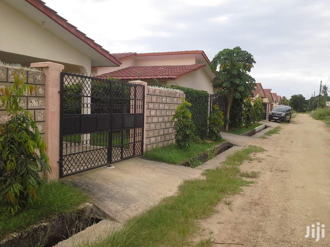 3bedrooms Bungalows To Let