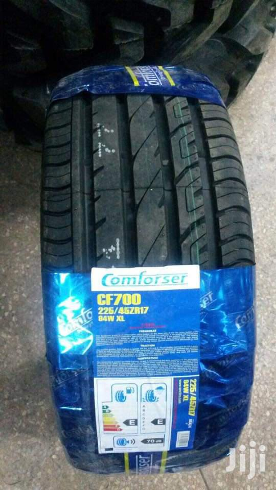 225/45/17 Comforser Tyres Is Made In China