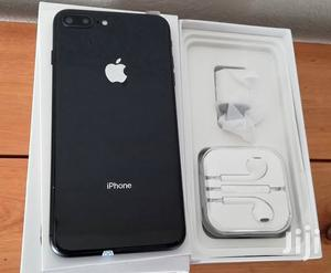 New Apple iPhone 8 Plus 64 GB Red