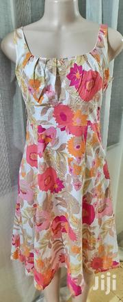 - White Floral Shift Dresssize 10   Clothing for sale in Mombasa, Mkomani